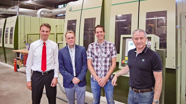 The right chemistry: De Groot Sales Director Frank Meenderink, Hebo Director Norbert Kuipers with Technical Manager Dennis Roordink and Klaus Müller, Head of Marketing and Communication at WEINIG